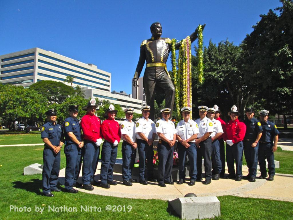 Firemen at King Kamehameha III statue