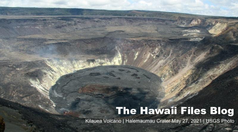 Kilauea Caldera - Halemaumau Crater