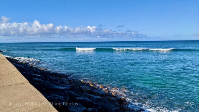 Small Surf Waves - Magic Island, Honolulu HI